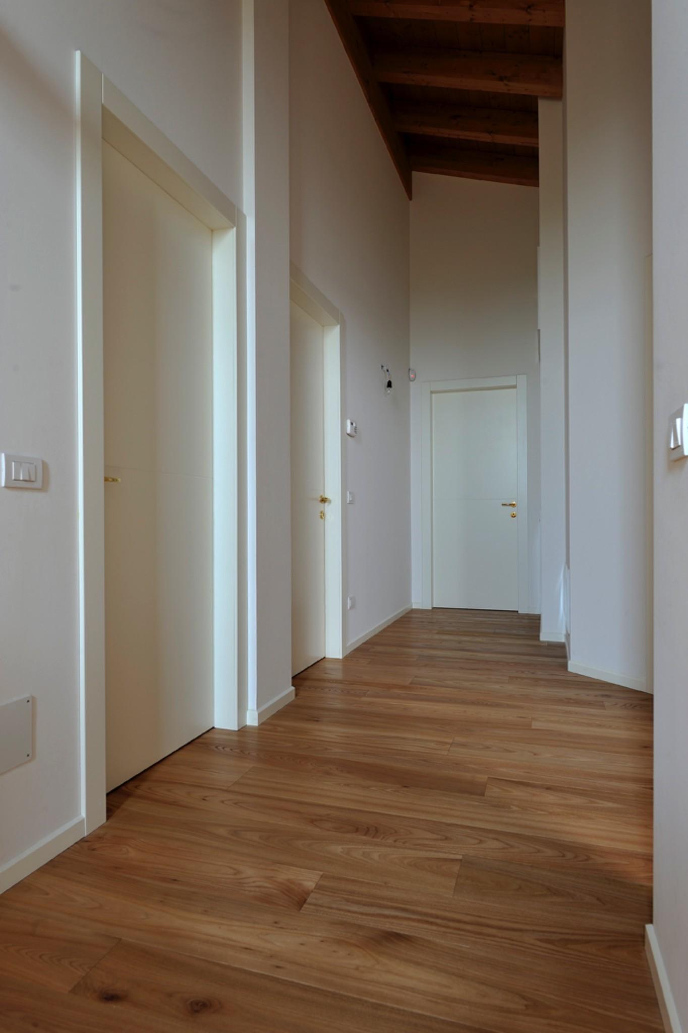 Porte interne e serramenti treviso for Finestre e porte moderne